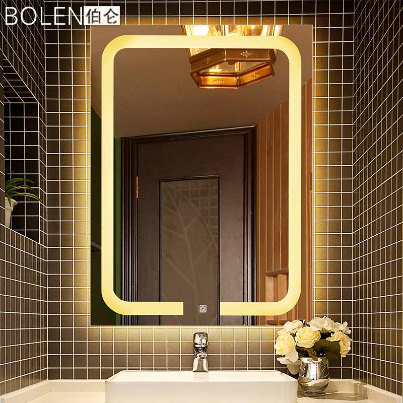 Зеркало с подсветкой в ванную: разновидности, рекомендации по выбору