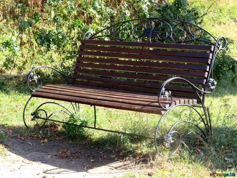 Садовая скамейка для дачи своими руками: шесть проектов на любой вкус