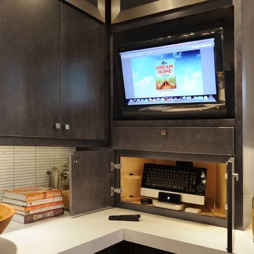 Варианты размещения телевизора на кухне (47 фото)