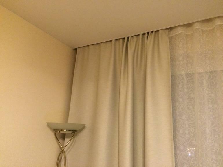 Как сделать нишу для штор в натяжном потолке — 5 способов монтажа скрытого карниза под гардину