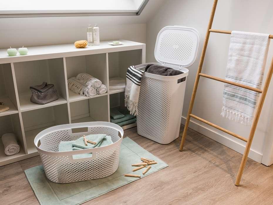 Встроенная корзина для белья в ванную – экономим драгоценное пространство
