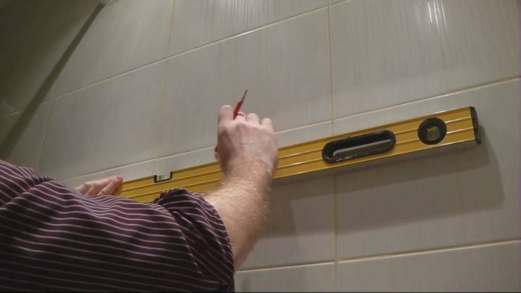 Крепление для зеркала на стену