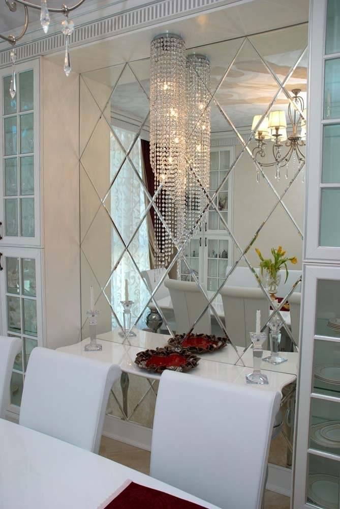 Зеркальные плитки на стену своими руками. можно ли клеить зеркальную плитку на обои укладка зеркальной плитки