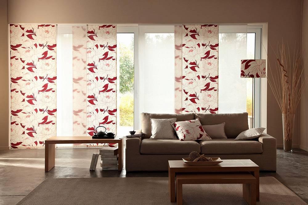 Японские шторы в интерьере спальни, кухни, гостиной для зонирования комнаты  - 35 фото