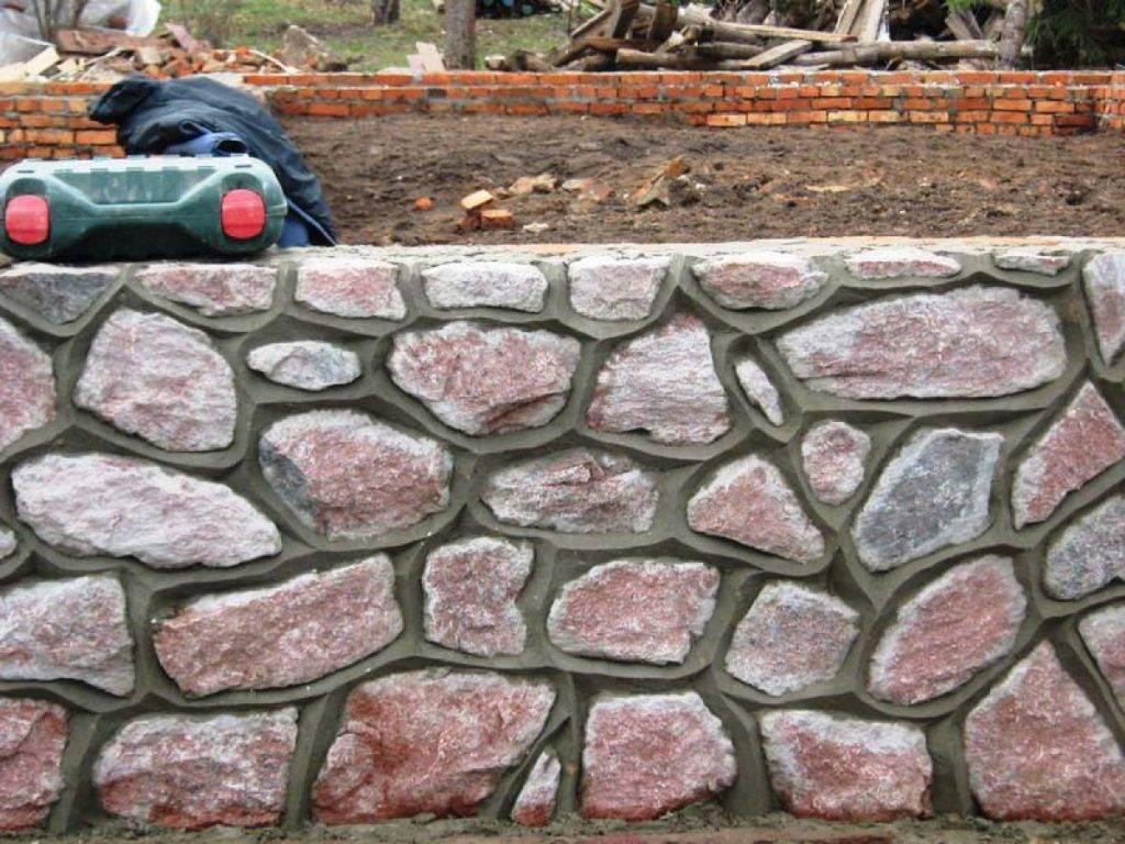Как сделать забор из камня своими руками: пошаговое ограждение участка