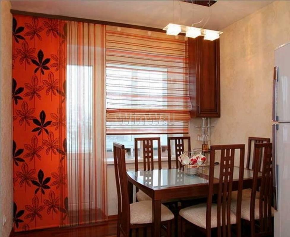 Современные шторы на кухню с балконной дверью: варианты дизайна 17 фото