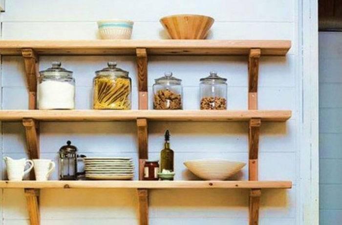 Этажерка (стеллаж) - интересный элемент в декоре дома и на дачном участке