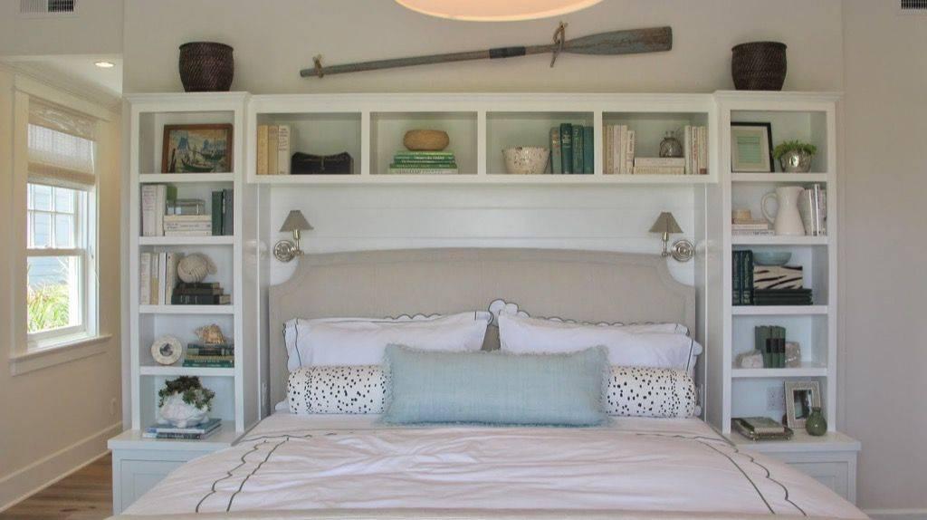 Кровать с полками: варианты расположения   фото в интерьере