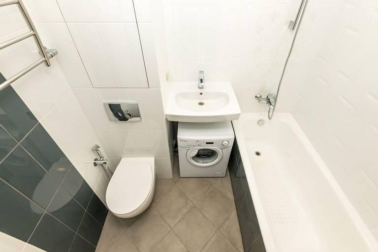 Дизайн ванной комнаты и туалета в хрущевке: советы и идеи по оформлению интерьера