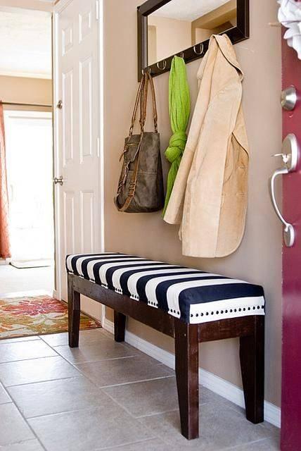 Диванчик в прихожую (30 фото): диван в современном стиле с местом под обувь, узкий вариант
