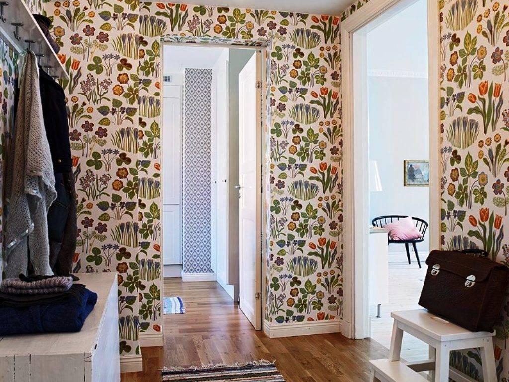 Обои для узкой комнаты – коррекция пропорций и декорирование стен