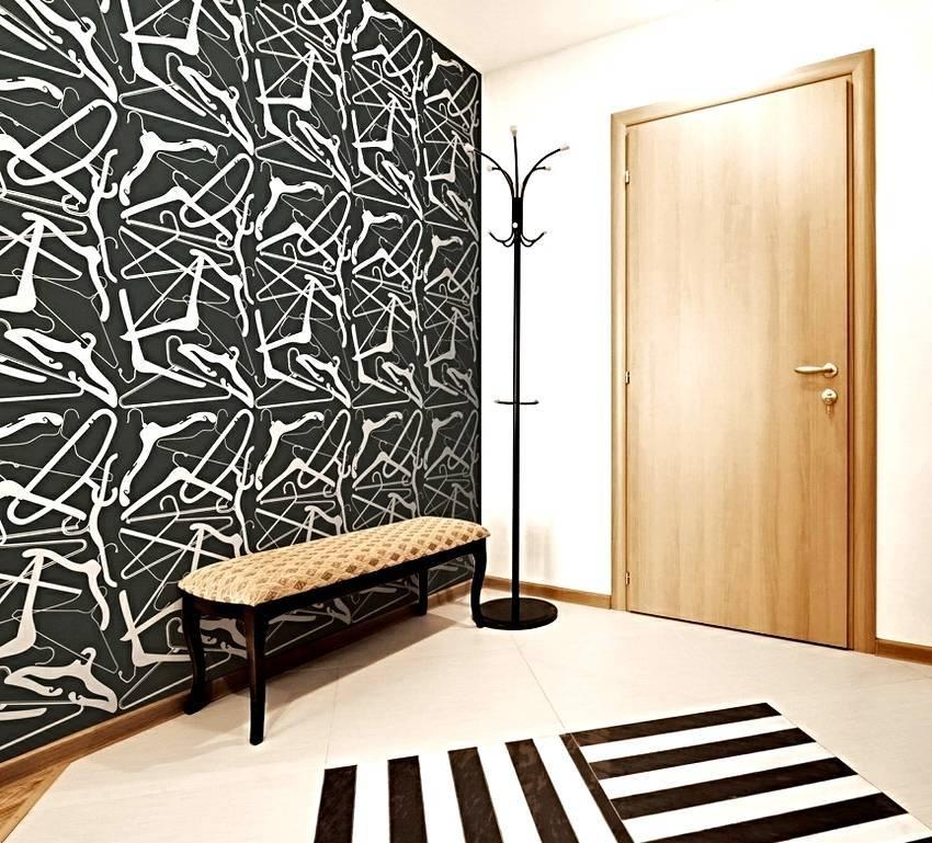 Как красиво поклеить обои: фото и идеи для зала, кухни, комнаты, гостиной, прихожей и коридора, а также как можно модно расположить разные материалы?