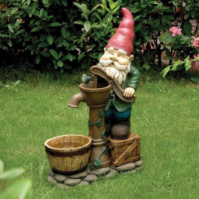 Садовые гномы — необычное оформление декоративной зоны в ландшафтном дизайне (140 фото)