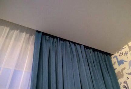 Карнизы для штор под натяжные потолки — ниша в потолке для штор, встроенный карниз, скрытая гардина, как крепить, дизайн