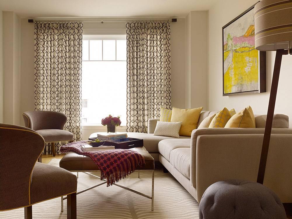 Гостиная в бежевых тонах (76 фото): интерьер в светло-коричневом цвете, дизайн зала с яркими акцентами в шоколадной гамме, сочетания с голубым и бирюзовым