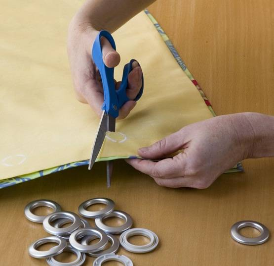 Как установить люверсы без инструмента своими руками в домашних условиях? — remont-om
