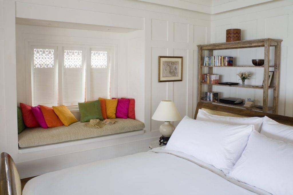 Варианты дивана и кровати в дизайне спальной комнаты