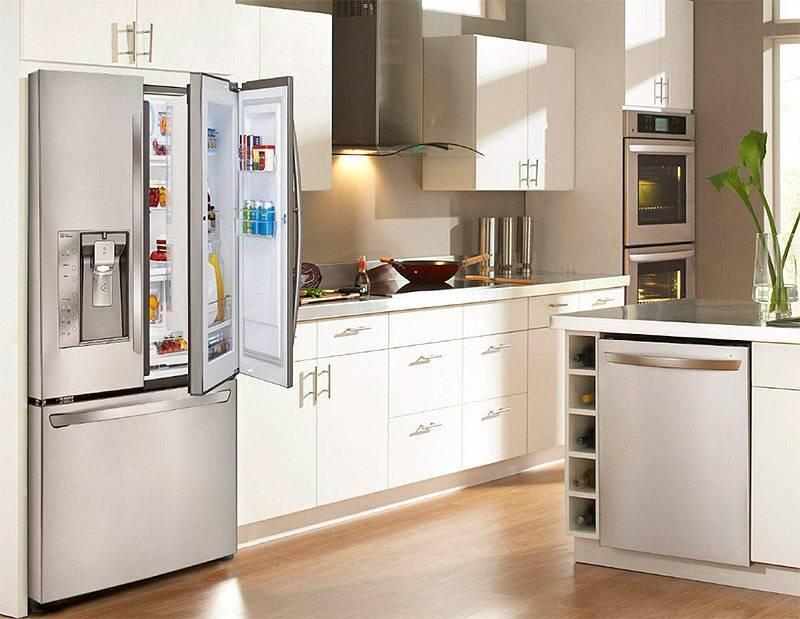 Белая кухня: идеи дизайна интерьеров (100 фото)