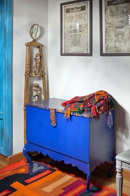 Старый чемодан в интерьере: 21 идея использования