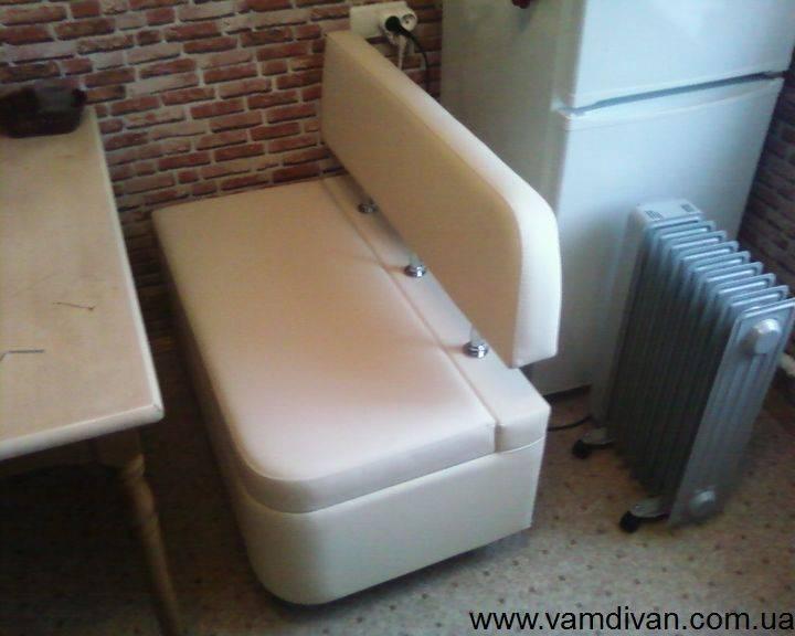 Прямой кухонный диван в интерьере: особенности, виды, правила выбора