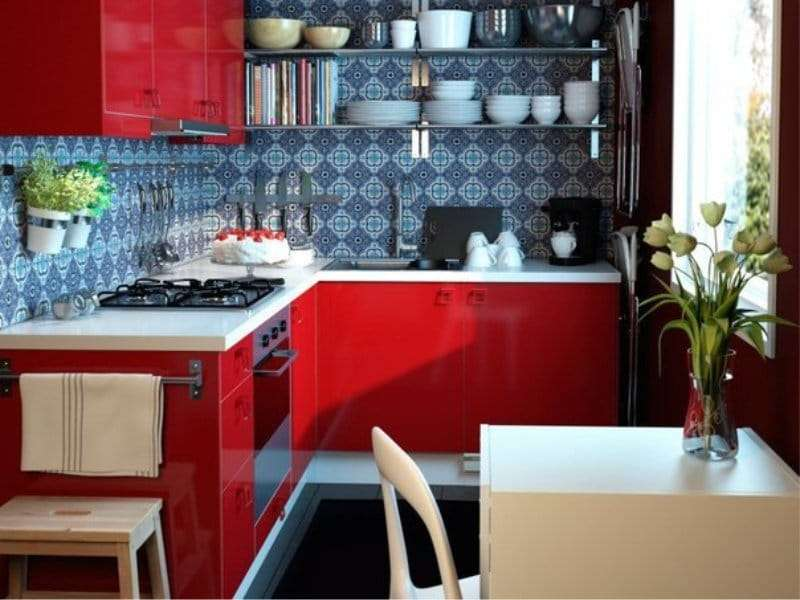 Дизайн кухни в красном цвете: реальные фото примеры