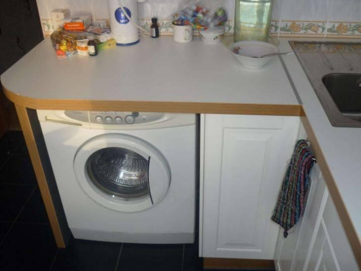 Встроенная стиральная машина на кухне (38 фото): выбираем встраиваемую в кухонный гарнитур стиральную машинку, размеры моделей под столешницу