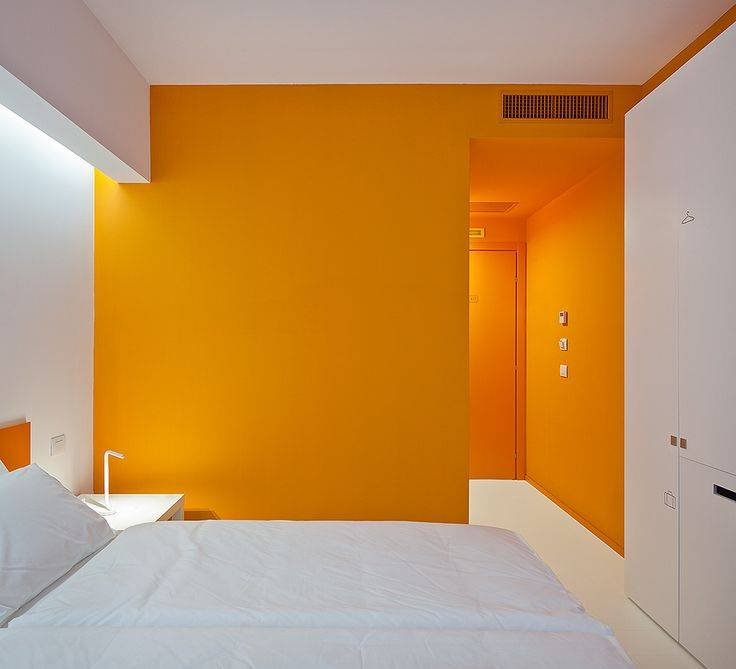 Оранжевая спальня – комната в солнечных тонах