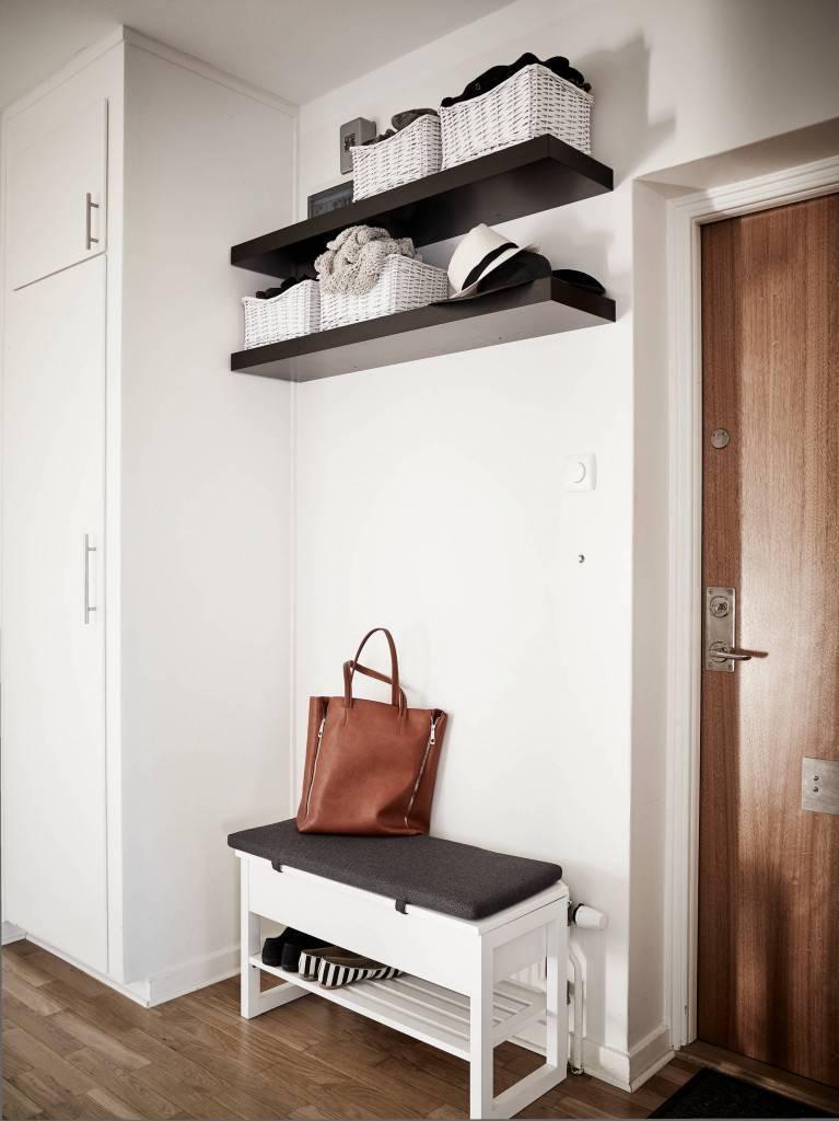 Диванчик в прихожую: диван в современном стиле с местом под обувь, узкий вариант