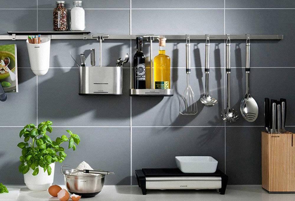 Монтаж кухонного рейлинга на фартук из керамической плитки