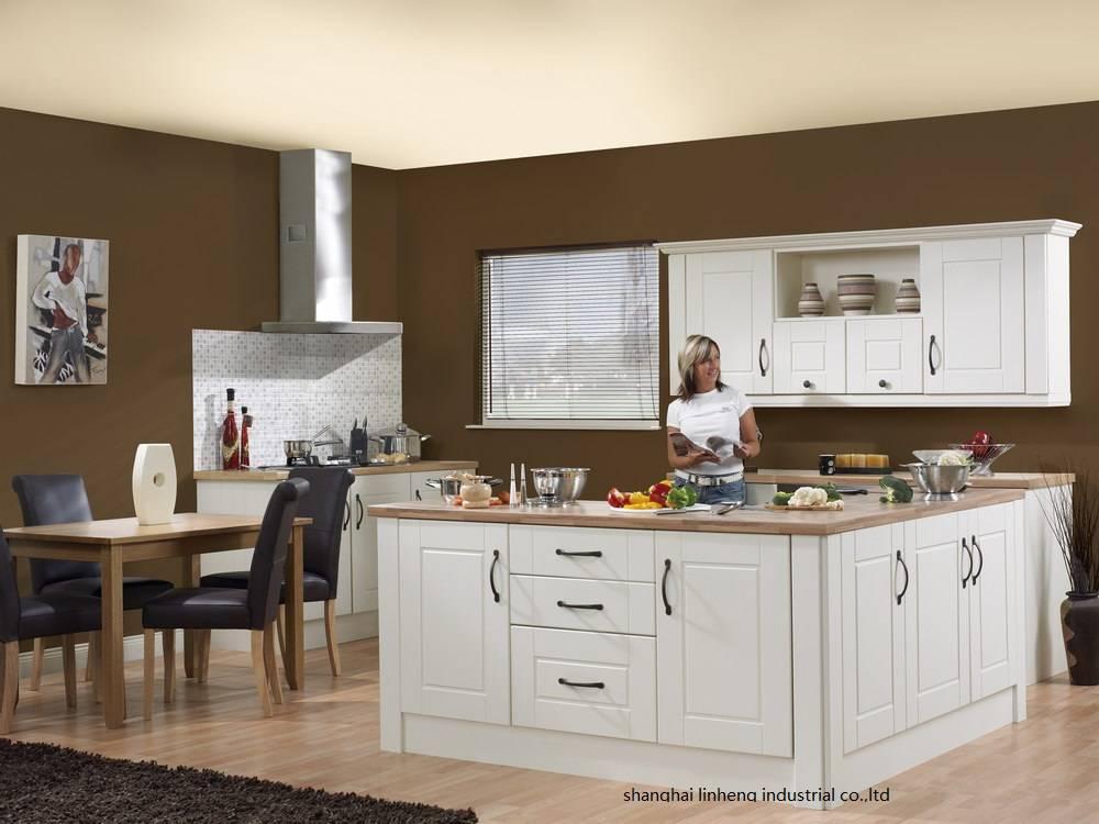 Дизайн кухни в светлых тонах