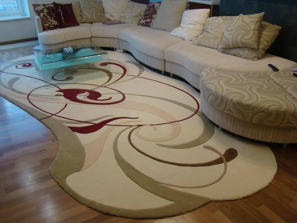 Ковер на пол в гостиную: выбор материала и красивого рисунка напольного покрытия для помещения разного размера