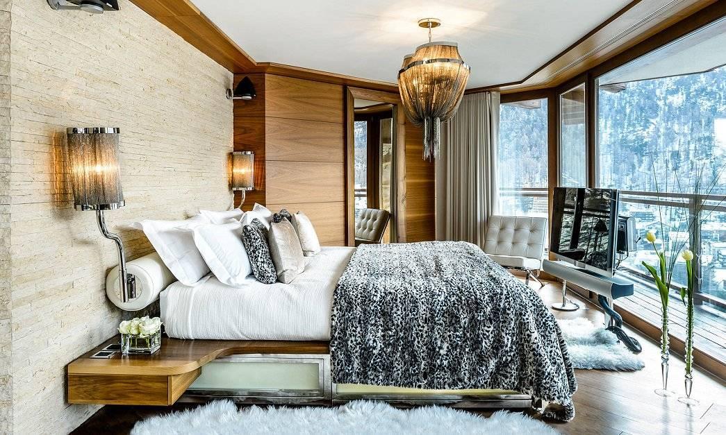 Спальня в стиле шале (35 фото): правила оформления интерьера, выбор штор и других элементов декора для маленькой спальни