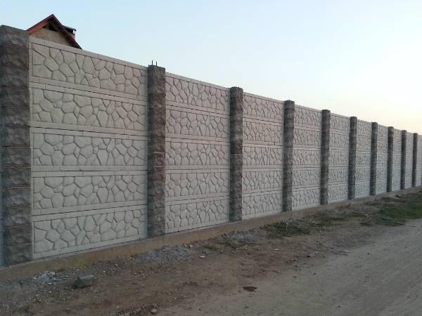 Самостоящий железобетонный забор: установка жби