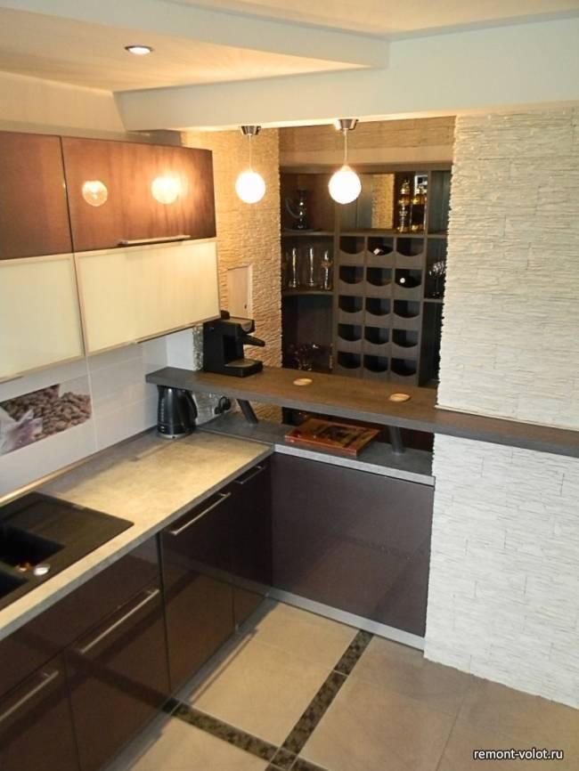 Особенности дизайна кухни с вентиляционным коробом при входе