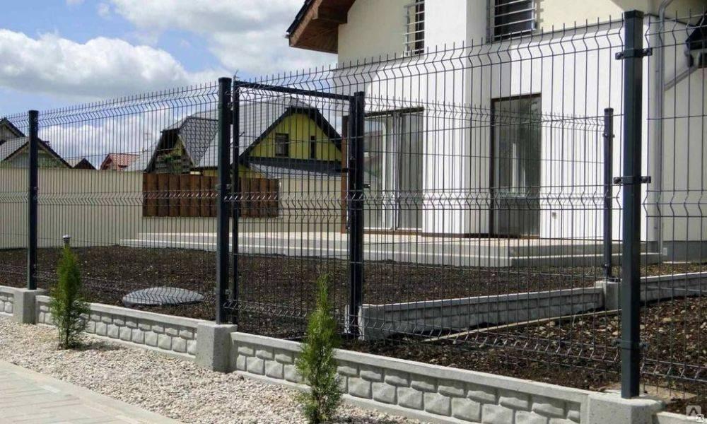 Недорогой забор для дачи. из чего дешевле сделать забор?