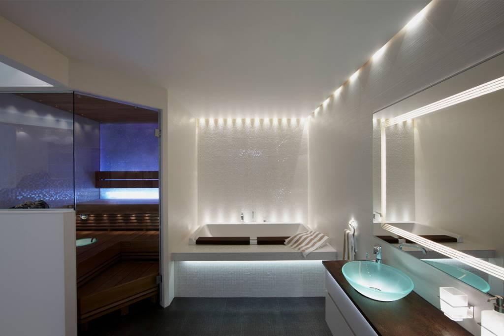 Освещение в ванной комнате с натяжным потолком — точечные светильники для натяжных потолков в ванную, потолок с подсветкой, потолочные светодиодные светильники