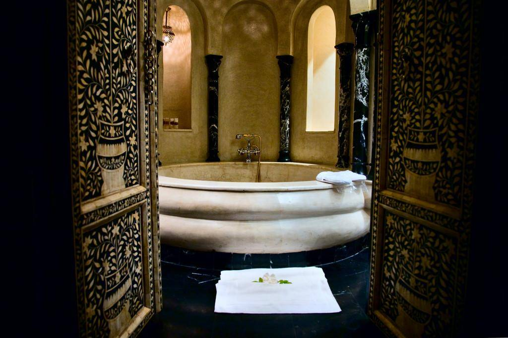 Арабский стиль в интерьере - смелое решение современного дизайна (50 фото)