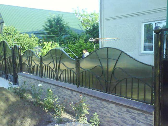 Забор из поликарбоната на металлическом каркасе - всё о воротах и заборе