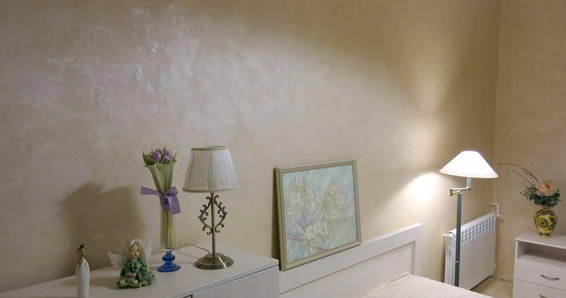 Покраска стен своими руками: необычная – декоративная и фактурная, валиком с трафаретом, фото, работа в ванной и комнатах в квартире, и как подготовить поверхность?