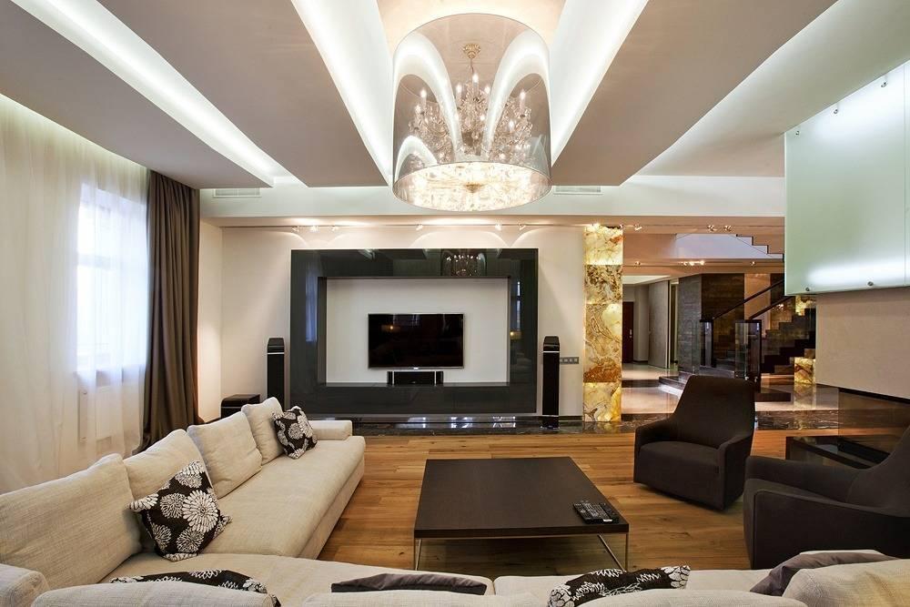 Модный интерьер гостиной в частном доме