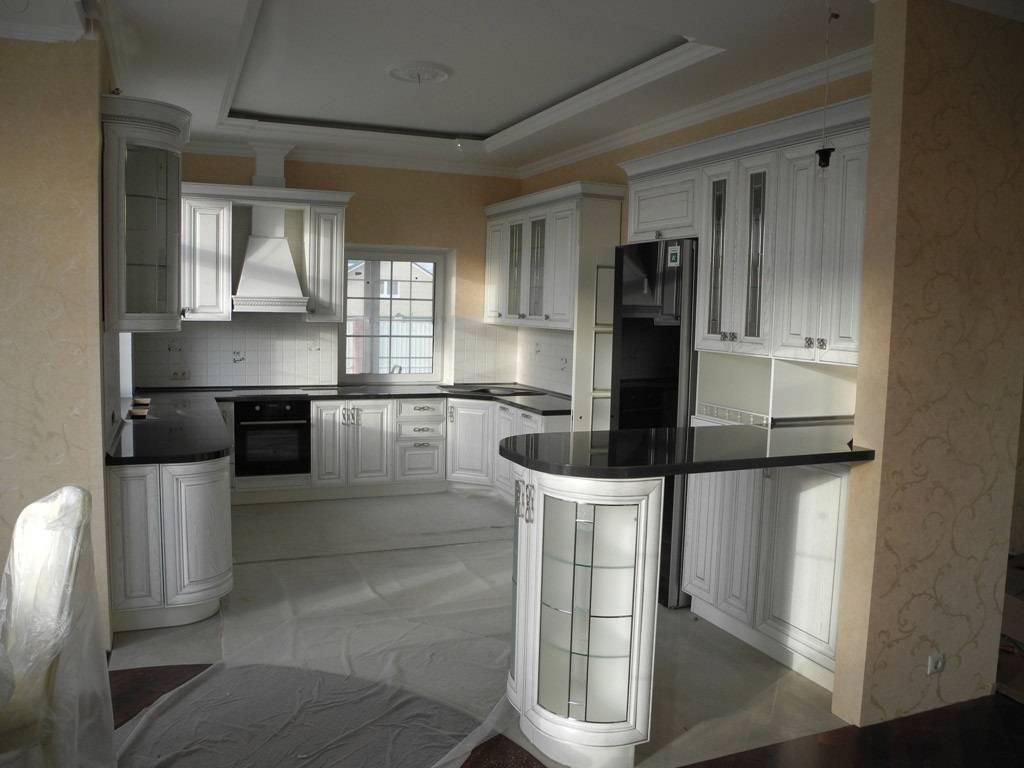 Кухни с барной стойкой – фото дизайна интерьеров кухонь с баром