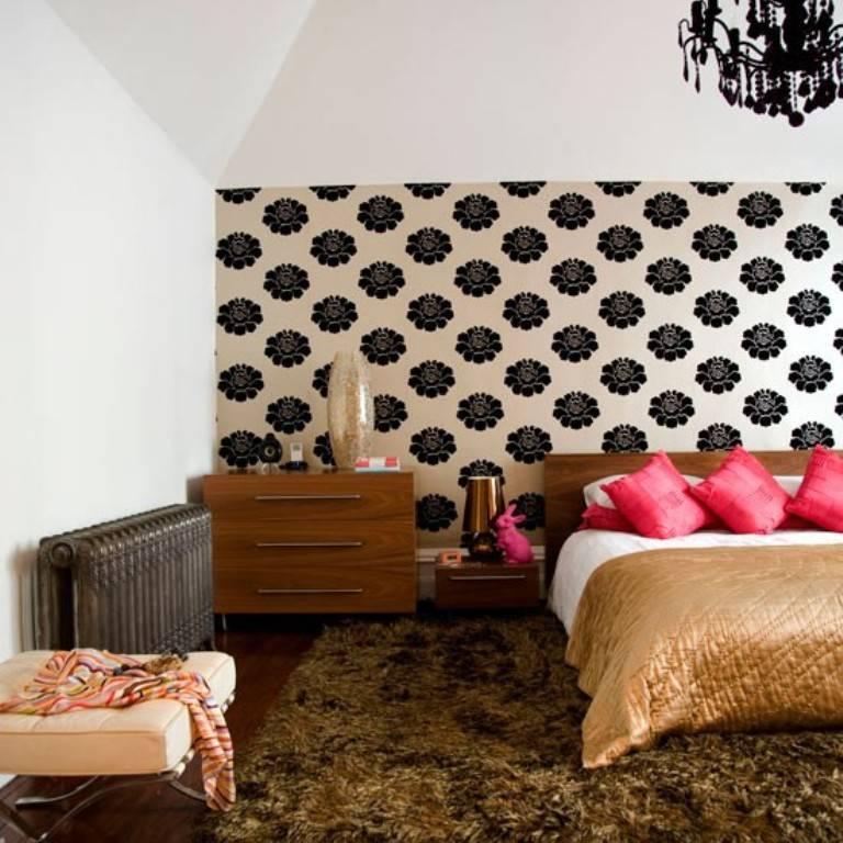 Варианты красивого интерьера спальни с обоями