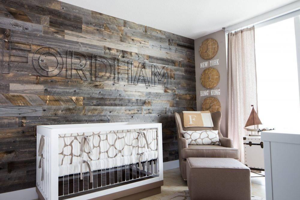 Декоративные доски (39 фото): необрезная на стене в интерьере и обрезная отделочная доска из дерева для внутренней отделки