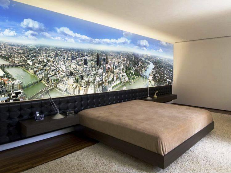 Фотообои в зал (111 фото): дизайн фотообоев с розами в интерьере гостиной, выбор обоев, расширяющих пространство, на стене над диваном и в других местах