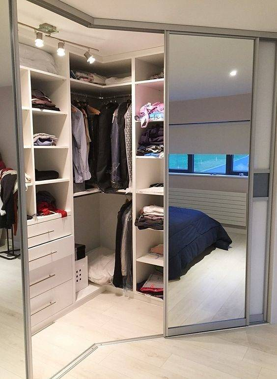 Шкаф-купе в спальню: дизайн, варианты наполнения, цвета, формы, расположение в комнате