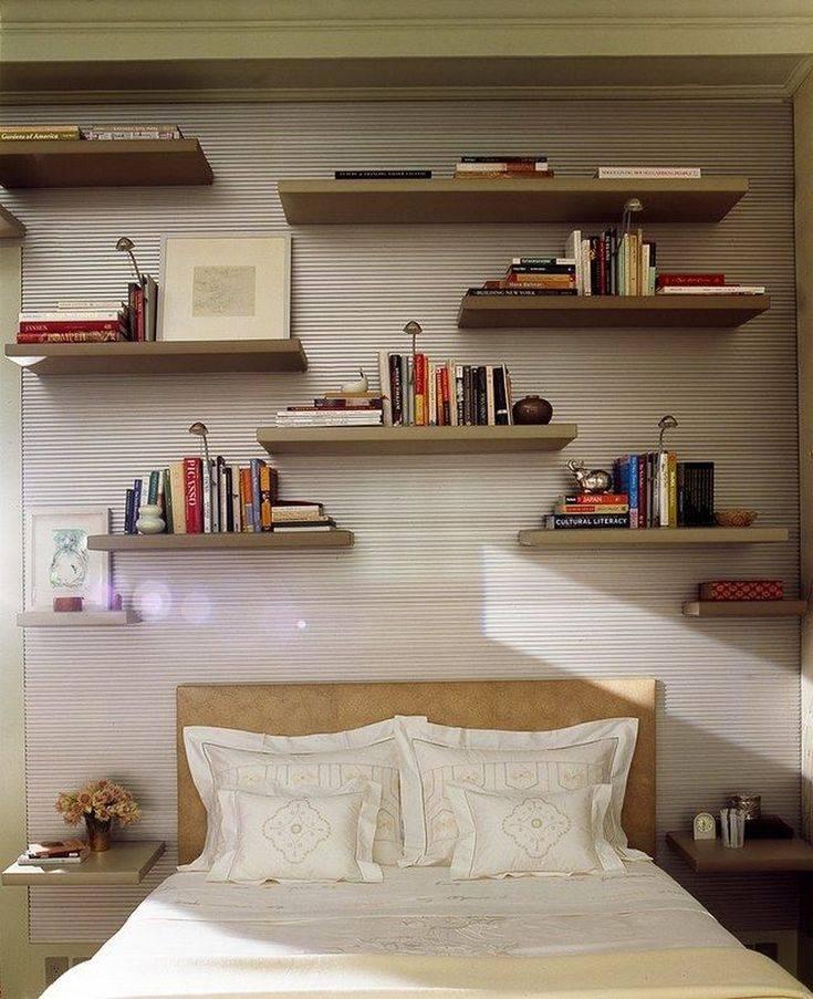 Что повесить над кроватью в спальне?