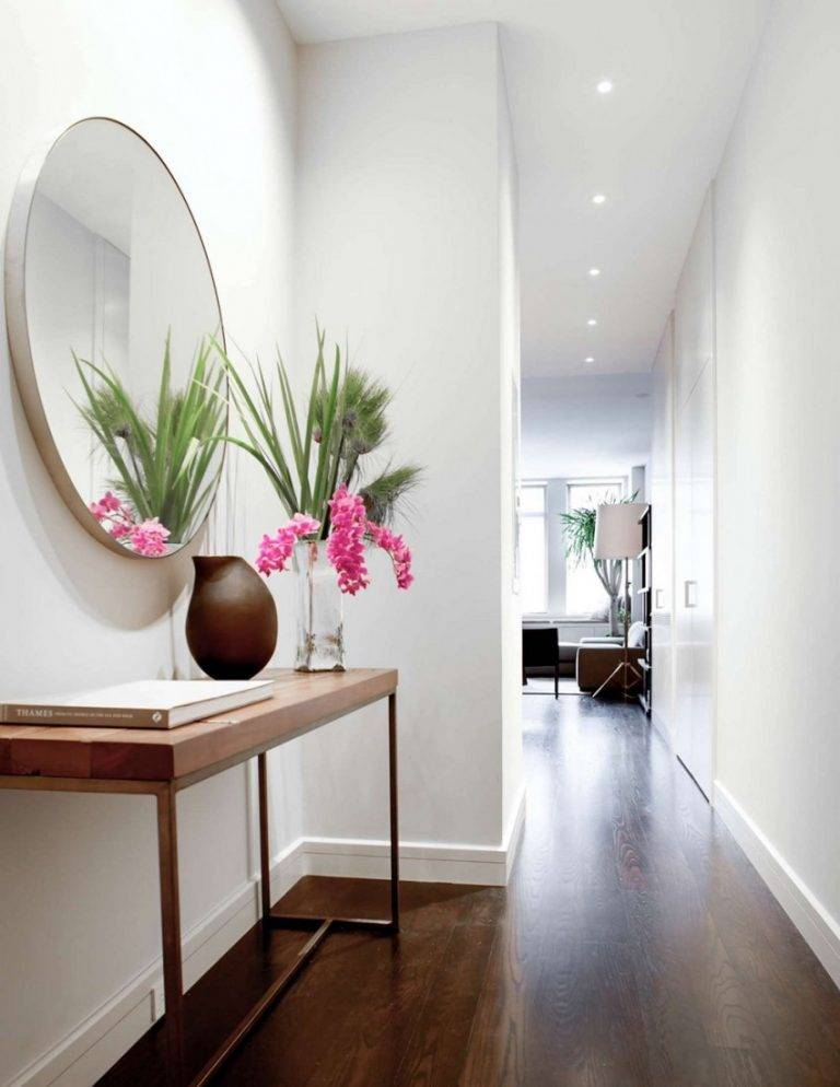 Настенное зеркало в прихожую – 30 идей для стильного интерьера