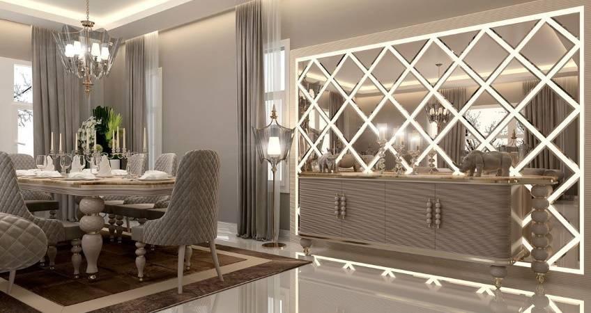 Зеркальная мозаика (56 фото): плитка из зеркал в интерьере гостиной, стеклянные фрагменты на стену в спальне, мозаика на сетке со вставками и стразами