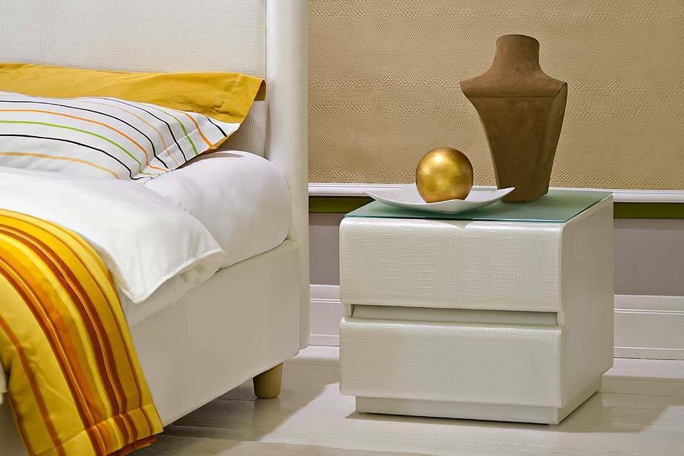 Размеры прикроватных тумб для спальни и особенности выбора