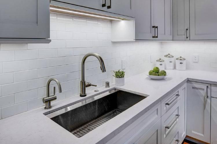 Плитка кабанчик на фартук кухни: фото плитки в виде кирпичиков